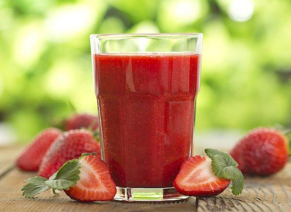 Z ovoce i zeleniny lze vyrobit například výborné smoothie.