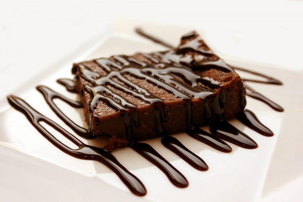 Řepové brownies jsou lahodné a zároveň poměrně jednoduché na přípravu.