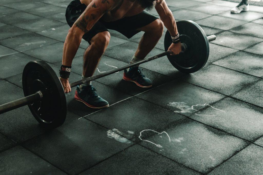 Bílkoviny a jejich příjem by si měli hlídat především lidé, kteří pravidelně sportují.