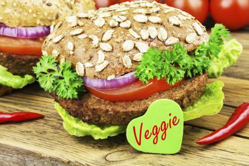 Některé nemocnice začínají nabízet stravu vhodnou pro vegetariány i vegany.